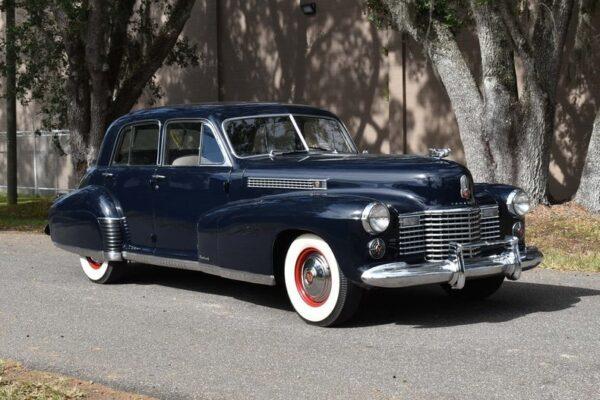 AnyConv.com__1941-cadillac-fleetwood-60s